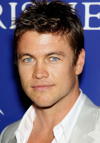 luke-hemsworth__130917205653