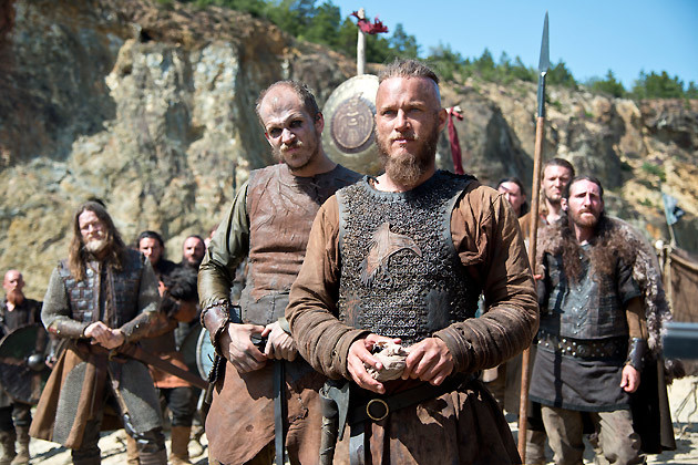 ragnar-and-floki-size-up-their-opponents