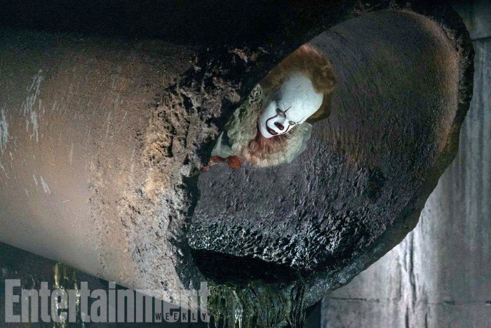 it-pennywise-sewer-700x467